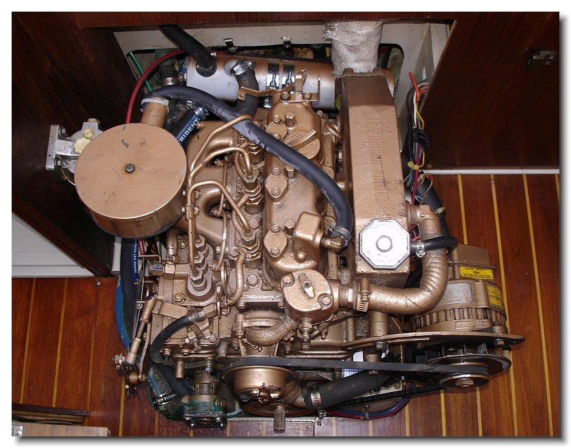 Universal M-25 Diesel engine top view